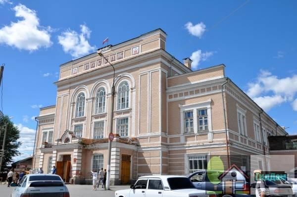 здание пассажа - главного павильона ирбитской ярмарки