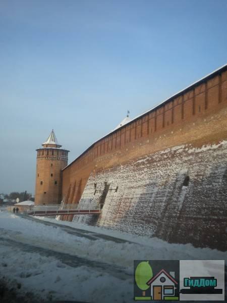 Маринкина башня и часть стены кремля