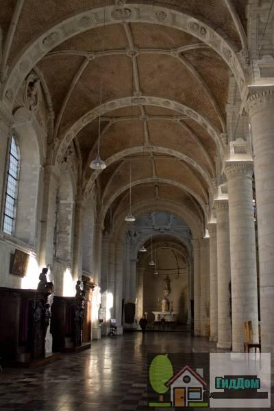 ([[Sint-Jan Baptist ten Begijnhofkerk Sint-Jan de Doperkerk - Begijnhofkerk]])