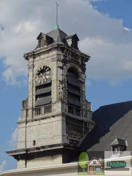 ([[Sint-Jans en Sint-Stevenskerk der Miniemen|Sint-Jan en Sint-Stefaan Ter Minimenkerk]])