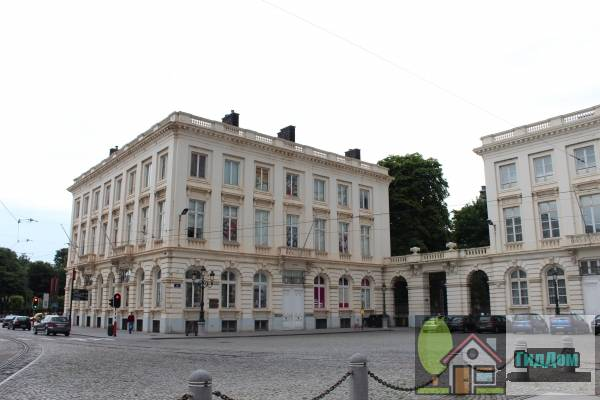 (Portieken en gebouwen op het Koningsplein)