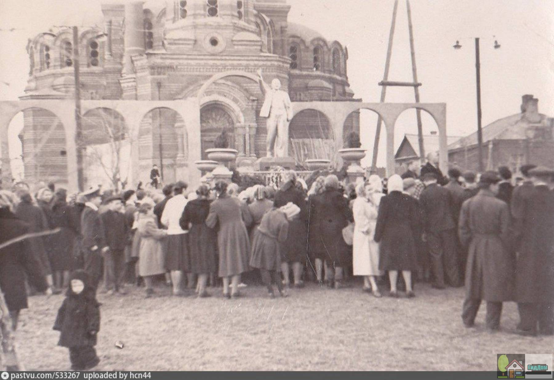Троицкая церковь в Щурове в середине ХХ века