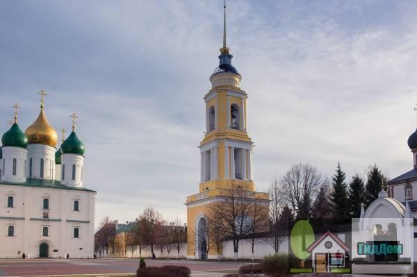 Колокольня Троицкой церкви (со Святыми воротами)